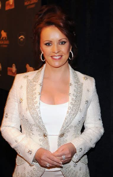 Sheena Easton | Phineas and Ferb Wiki | FANDOM powered by