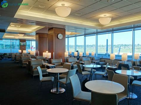 Lounge Review: United Club – PDX – LoungeReview