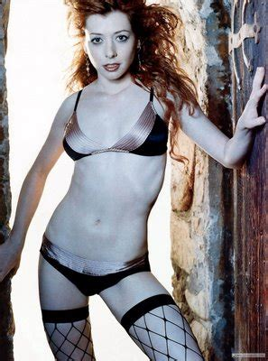 tolly2hollywoodgirls: Alyson Hannigan Sexy Pictures