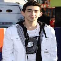 Moises Arias Birthday, Real Name, Age, Weight, Height
