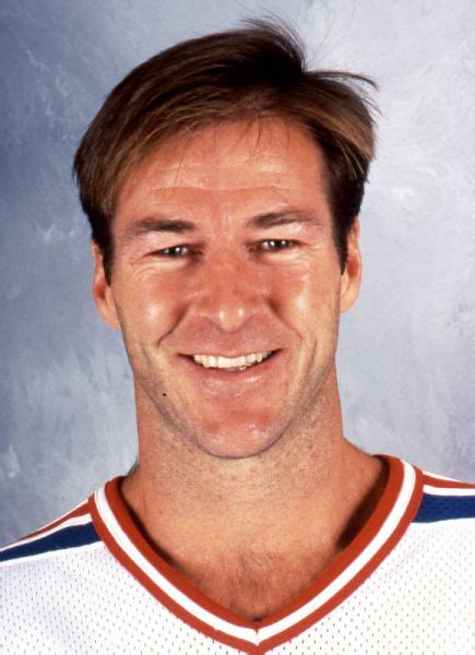 Player photos for the 1992-93 New York Rangers at hockeydb