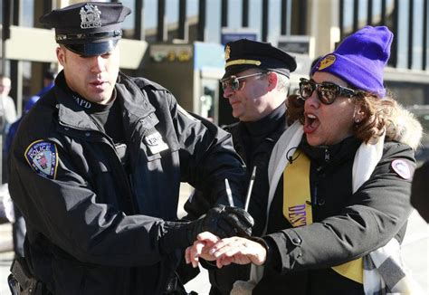 Protesting Airport Workers Arrested – FlyerTalk - The