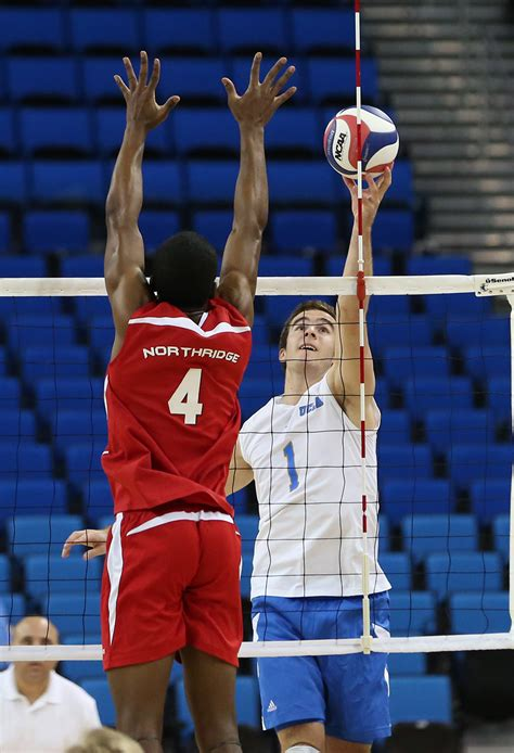 UCLA men's volleyball suffers weekend sweep by Hawai'i